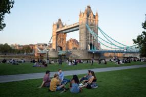 इंग्लैंड में लॉकडाउन हटाने के लिए अगले 2 सप्ताह अहम