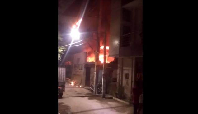 दिल्ली में आग से एक की मौत, दिवाली की रात अग्निशमन सेवा के पास आए 205 कॉल