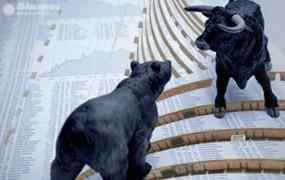 Opening bell: बाजार के चौथे दिन की कमजोर शुरुआत, सेंसेक्स 300 अंक टूटा