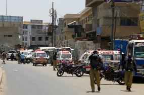 पाकिस्तान : वाहन पर हमला, 4 की मौत