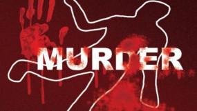हत्यारों को पकडऩे शव रखकर प्रदर्शन - परिजनों ने पुलिस जाँच में लापरवाही का आरोप लगाया