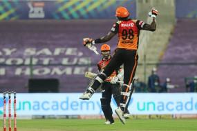 अबुधाबी में सनराइज: हैदराबाद ने बैंगलोर को 6 विकेट से हराकर सेमीफाइनल का टिकट बुक किया, कैन विलियम्सन की फिफ्टी, होल्डर ने 3 विकेट लिए