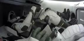 स्पेसएक्स क्रू ड्रैगन 4 यात्रियों के साथ अंतरिक्ष स्टेशन पहुंचा
