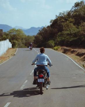 तापसी पन्नू ने बाइक के लिए अपने प्यार का इजहार किया