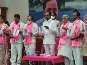टीआरएस ने हैदराबाद में मुफ्त पीने के पानी का वादा किया