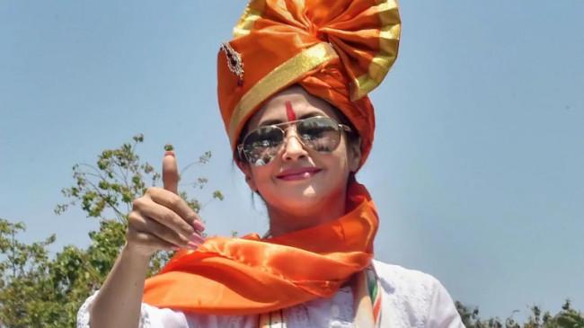 Maharashtra: कल शिवसेना में शामिल होंगी उर्मिला मातोंडकर, करीब एक साल बाद सक्रीय राजनीति में करेंगी वापसी