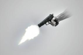 युवा जोड़े को परिवार के सदस्य ने गोली मारी