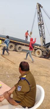 20 लाख रू. का लोहा खरीदा 7 लाख में - जबलपुर से लूटा था पूरा ट्राला ,दो गिरफ्तार , पूछताछ कर रही पुलिस