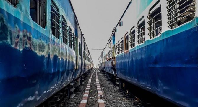 कोविड से पहले की तुलना में 50 फीसदी ट्रेनों का संचालन : रेलवे चेयरमैन