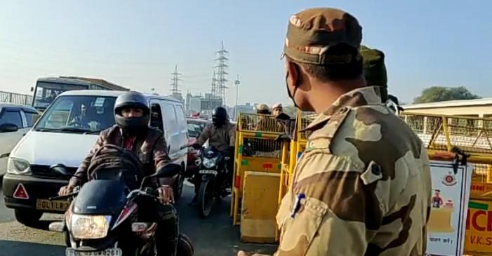 सुरक्षा जांच के चलते दिल्ली-गुरुग्राम सीमा पर ट्रैफिक जाम जैसी नौबत