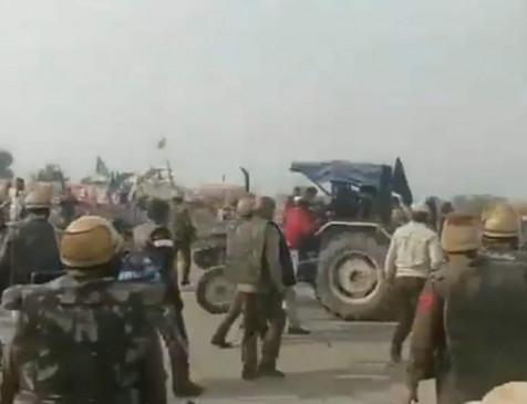 Video: किसानों पर पुलिस ने बरसाई लाठियां, बैरिकेडिंग को तोड़ते हुए हरियाणा बॉर्डर से हो रहे थे दाखिल
