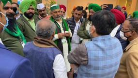 Farmers Protest: किसानों और सरकार के बीच बनी 2 मुद्दों पर सहमति, अब चार जनवरी को MSP और कानून वापसी पर चर्चा होगी