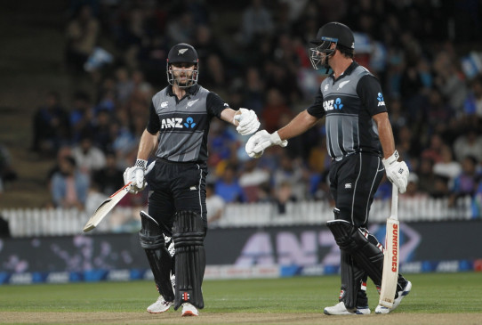 हेमिल्टन टेल्ट : विलियम्सन, लाथम ने न्यूजीलैंड को किया मजबूत