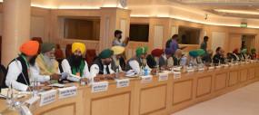 मंत्रियों के साथ बैठक में किसान संगठनों ने की लिखित में मांग, तीनों कानून वापस हो