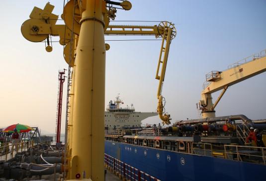 नए अमेरिकी प्रशासन के तहत भारत फिर से ईरान, वेनेजुएला से ले सकता है तेल
