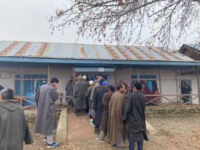 जम्मू-कश्मीर : डीडीसी के फेज 3 के लिए सुबह 11 बजे तक 25.58 प्रतिशत मतदान