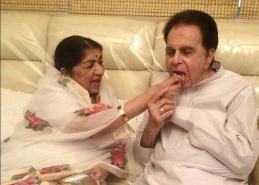 Dilip Kumar Birthday: दिलीप कुमार का 98वां जन्मदिन, लता मंगेशकर ने पुरानी तस्वीर शेयर कर अच्छे स्वास्थ की कामना की