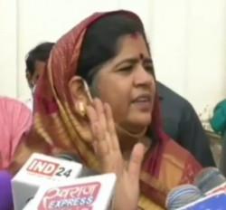 मप्र : इमरती देवी को बंगला खाली करने का नोटिस देने वाले इंजीनियर का तबादला