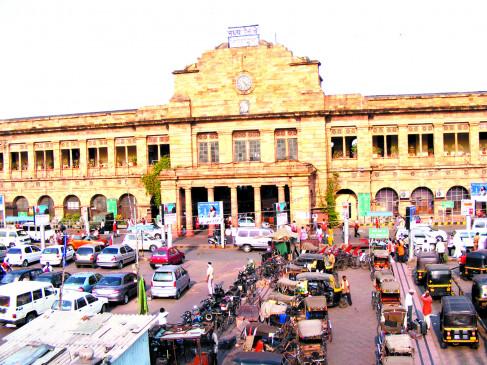 नागपुर स्टेशन पर 5 दिन में 6 हजार से ज्यादा यात्री पहुंचे, सिर्फ 7 का ही एंटीजन टेस्ट