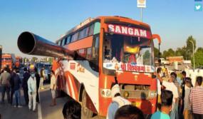 राजस्थान : पाइप बस की खिड़की तोड़ अंदर घुसा, 2 की मौत