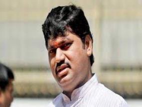 मंत्री मुंडे पर यौन उत्पीड़न का आरोप लगानेवाली बॉलीवुड सिंगर को आए धमकी भरे 200 फोन कॉल