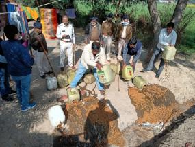 2.79 लाख की कच्ची शराब और महुआ लाहन जब्त - नागौद क्षेत्र में आबकारी और पुलिस की संयुक्त कार्रवाई
