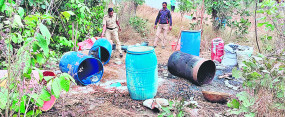 फिल्मी स्टाइल में आरोपी रफू-चक्कर, महुआ शराब बनाने का धंधा खूब फल-फूल रहा