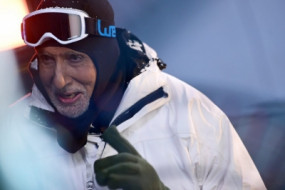 माइनस 33 डिग्री सेल्सियम में ठंड का आनंद लेते दिखे अमिताभ बच्चन