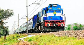 फिलहाल नहीं चलेगी नियमित ट्रेन, कई स्पेशल गाड़ियों की अवधि बढ़ाई