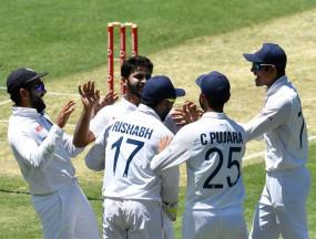 AUSvIND: भारत के खिलाफ लबुशेन का पहला शतक , आस्ट्रेलिया 274/5, डेब्यू मैच खेल रहे नटराजन ने 2 विकेट लिए