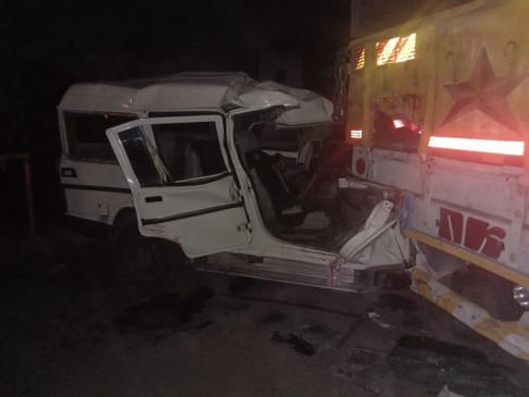वर्धा :  खड़े ट्रक से टकराई बोलेरो, चार मृत, पांच घायल