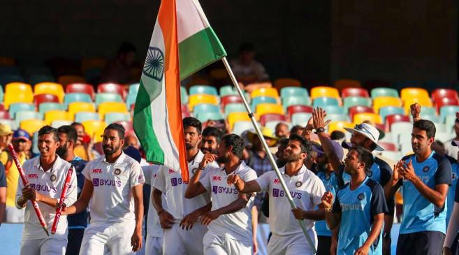 बॉलीवुड ने टीम इंडिया की ऐतिहासिक जीत पर कुछ यूं मनाया जश्न, शाहरूख से लेकर रणबीर तक ने खास अंदाज में दी बधाई