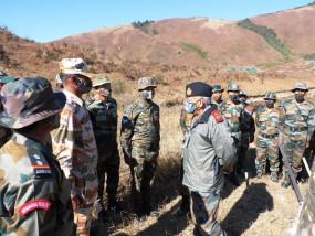 Indian Army: CDS रावत ने अरुणाचल में हवाई ठिकानों का दौरा किया, बोले- सीमाओं की सुरक्षा के लिए भारतीय जवान अपने निश्चय पर अटल