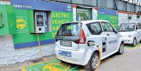मेट्रो रेल स्टेशनों पर होगी इलेक्ट्रानिक कारों के लिए चार्जिंग सुविधा