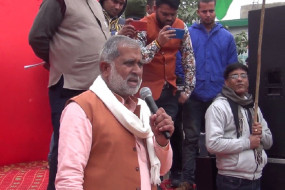 हरियाणा में किसानों ने वैक्सीनेशन सेंटर से स्वास्थ्यकर्मियों को भगाया, भाजपा विधायक का विरोध भी किया