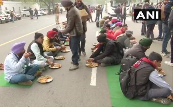 किसान आंदोलन का 44वां दिनः 8वें राउंड की बैठक रही बेनतीजा, सरकार और किसानों के बीच दिखी तल्खी, बोले- क्या चाहते हैं बता दीजिए