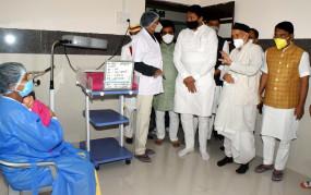 भंडारा अस्पताल पहुंचे राज्यपाल, किया निरीक्षण