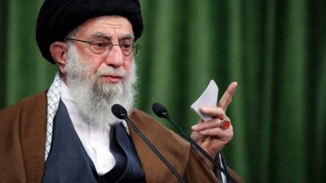 Iran: खामेनेई के ट्रंप पर हमले की धमकी भरे ट्वीट के बाद अकाउंट सस्पेंड