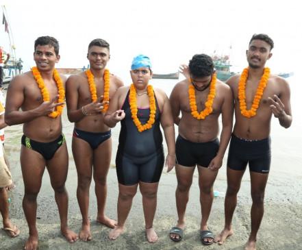 जिया ने 7 घंटे में तय की अरब सागर में 22 किलोमीटर की दूरी, तैराकी में नया रिकार्ड