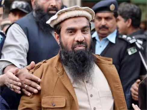 FATF की बैठक से पहले पाक का पुराना पैंतरा, मुंबई हमले के मास्टरमाइंड लखवी को लाहौर कोर्ट ने 15 साल की कैद की सजा सुनाई