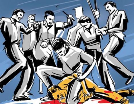 अतिक्रमण हटाने गए नायब तहसीलदार व टीम पर पथराव -सीधी में प्रशासनिक अमले पर हमला