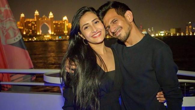 Photos: क्रिकेटर युजवेंद्र चहल और धनश्री वर्मा दुबई में मना रहे हैं हनीमून