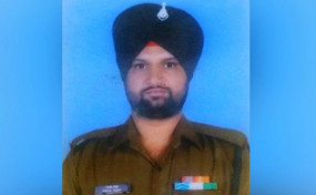 ना'पाक' हरकत: जम्मू-कश्मीर की कृष्णा घाटी में पाकिस्तानी सेना ने किया सीजफायर का उल्लंघन, सेना का एक जवान शहीद
