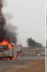 परभणी : निजी बस जलकर खाक, बाल-बाल बचे यात्री