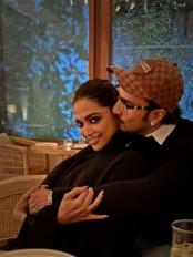 रणवीर सिंह ने बीवी नं 1 दीपिका संग तस्वीर शेयर की