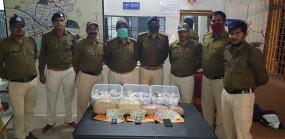 ट्रक से कर रहे थे गांजा तस्करी, 8 किलो गांजे के साथ चोरी के लाखों के जेवर भी मिले, तीन आरोपी गिरफ्तार