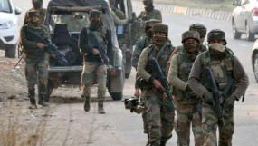 J&K: सुरक्षाबलों ने त्राल में तीन आतंकियों को एनकाउंटर में ढेर किया, एके-47, पिस्तौल और ग्रेनेड बरामद