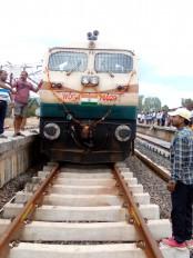 पहले चरण का काम पूरा, अब रेल लाइन बिछाने का काम शुरू होगा