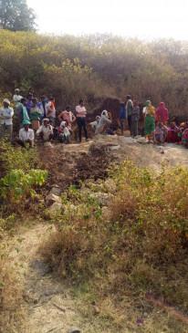 दर्दनाक हादसा: छुई मिट्टी की खदान धंसी, एक ही परिवार की दो महिलाओं की मौत, रेस्क्यू कर निकाले शव