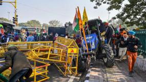 दिल्ली पुलिस ने कहा- हिंसक प्रदर्शनकारियों ने लोगों की जिंदगी को खतरे में डाला, सख्त कानूनी कार्रवाई होगी